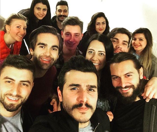 Atölye'de selfie keyfi! Genç ve yetenekli oyuncu Kemal Uçar, Atölye öğrencilerimizle deneyimlerini paylaştı!