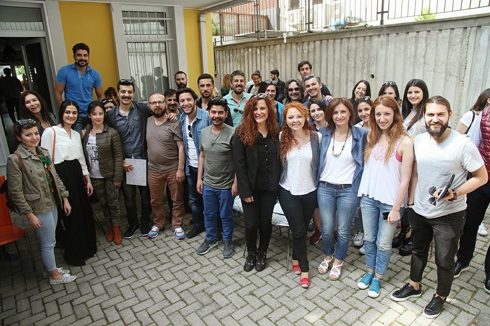 Yaz geldi! Senarist Ayça Ertürkler, Erkan Çıplak, Hale Çalap, oyuncularımız ve oyuncu adaylarımız ile bir arada Atölye'de!