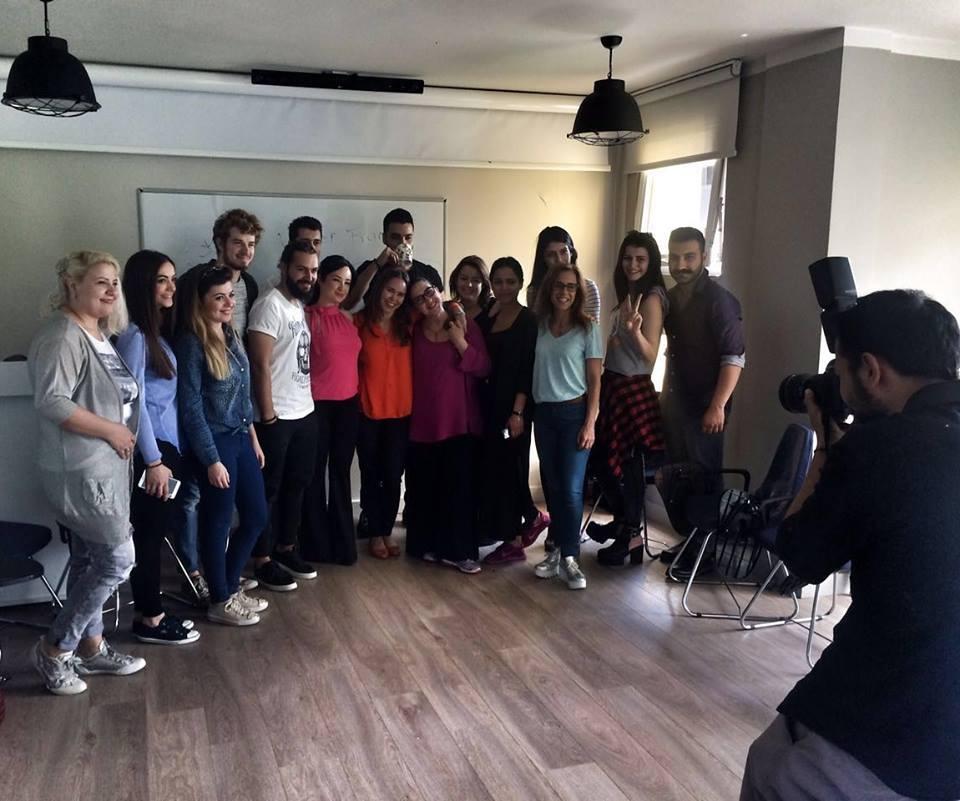 '' Büyürken maruz kaldığımız yaklaşım ve davranışlar kimliğimizi oluşturur. <br />'' Yüksek enerjisi ile hepimizi içine alan Ebru Tuay Üzümcü'ye ve katılımcılarımıza sonsuz teşekkürler..