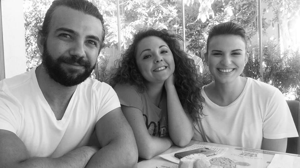 Atölye mezunlarımızdan Emir Aydoğan, Elif İşgören ve Muazzez Serap Naldemir'in rol aldığı yeni reklam filmi setinden..