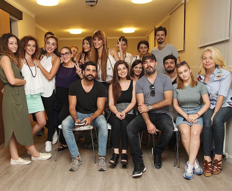Atölyemize konuk olan yönetmen Murat Onbul'a bizimle paylamış olduğu deneyimlerinden dolayı Tümay Özokur Atölye ailesi olarak çok teşekkür ederiz..